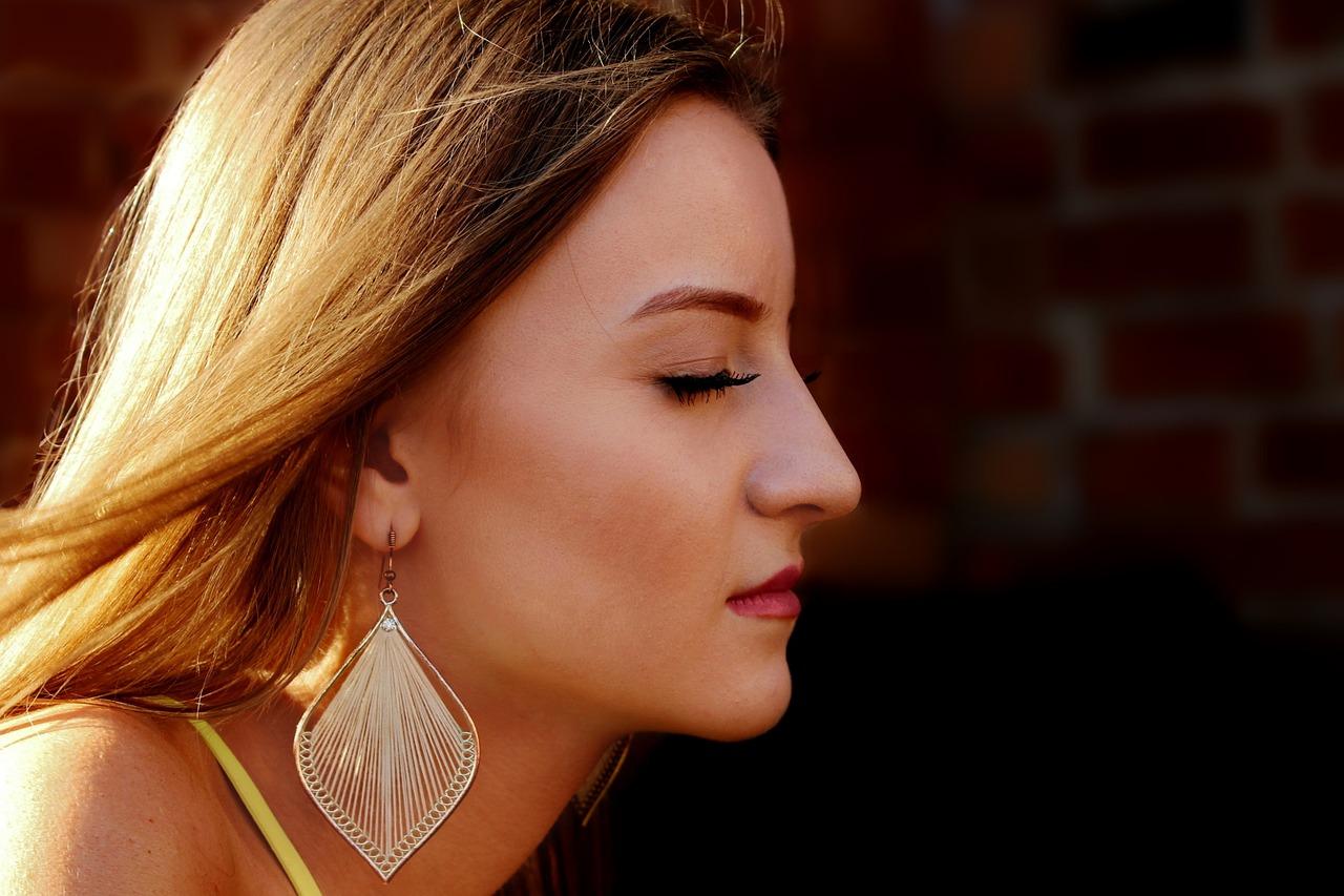5 Tips for Natural Lip Enhancement
